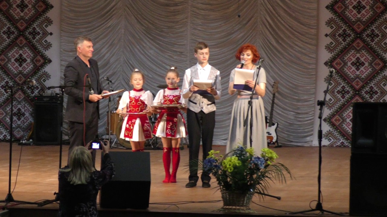 У Калуші нагородили понад дві сотні талановитих школярів