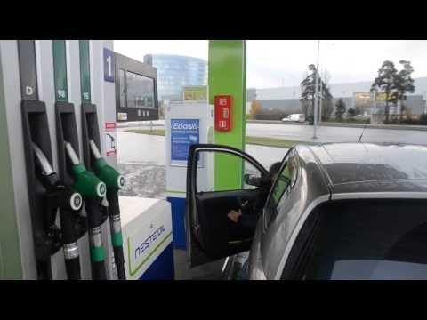 Заправка машины в Таллине, часть 2