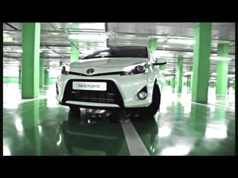 Toyota Yaris Hybrid реклама