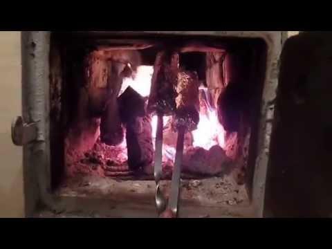 Жарим подчеревку в печке (шашлык без мангала). Жизнь в селе. Влог