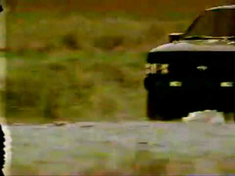 1994 Nissan Pathfinder Commercial