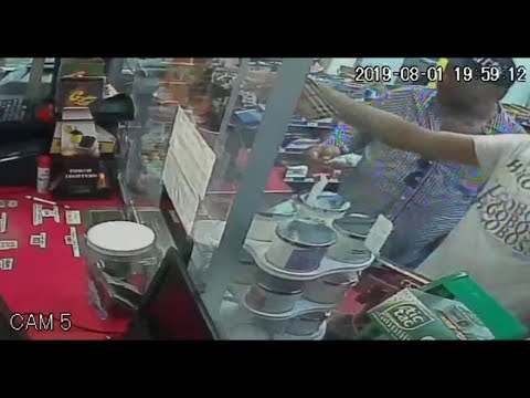 Man trashes Hollywood convenience store after being denied alcohol