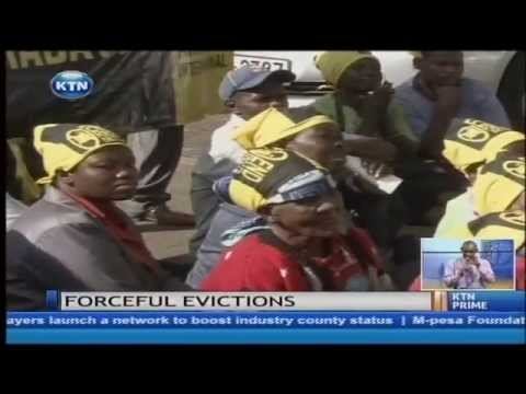 Slum women oppose evictions
