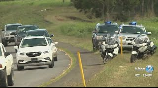 An accident involving two solo bike officers closes two H2 northbound lanes in Mililani