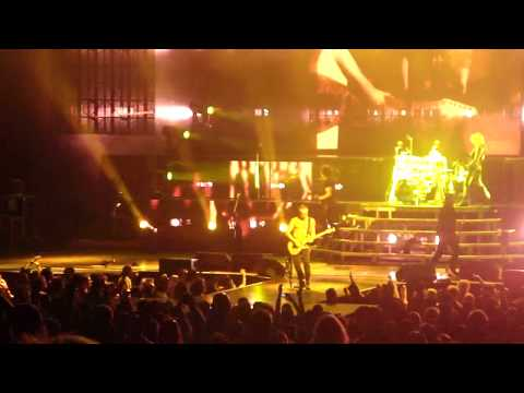 Def Leppard - Photograph Phil Collen Guitar Solo (Live in Charlotte NC) HD