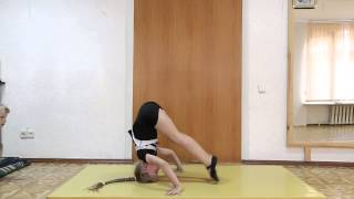 Швец Варвара. Наибольшее количество поднятия ног в стойке на голове. Рекорд России