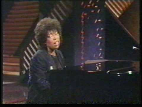Roberta Flack - Killing me softly - rare Music Videos