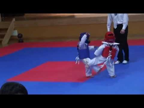 The Best Taekwondo Fight EVER!!!! The Cutest Thing Ever !!!! The original!