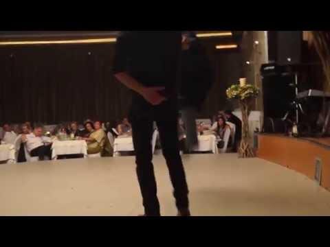 Download Lagu Ένας μερακλής παπάς χορεύει Μαλεβυζιώτη...στο Γάμο του Γρεβετζή MP3 Free