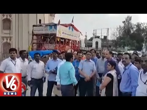 TS CS SK Joshi Inspects Charminar Pedestrian Project Works | Hyderabad | V6 News