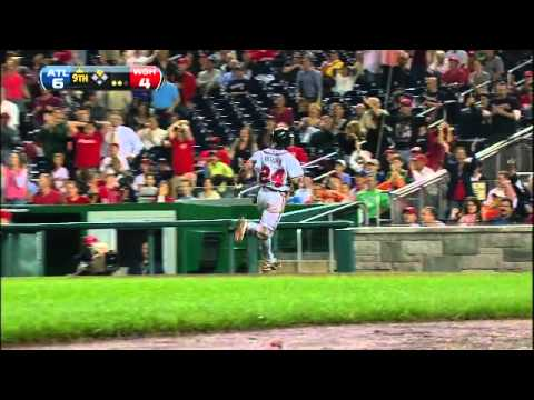 Michael Bourn scores after a rundown