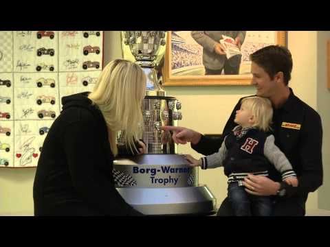 2014 Ryan Hunter-Reay Face Unveiling Ceremony