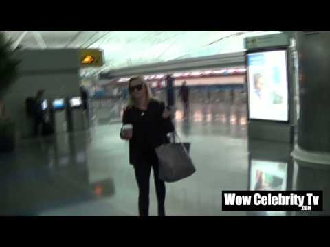 Reese Witherspoon spotted arriving to JFK Airport