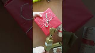 Christmas Parcel Wrapping Tips - for Etsy sellers - Tutorial - Festive Holiday Craft Ideas