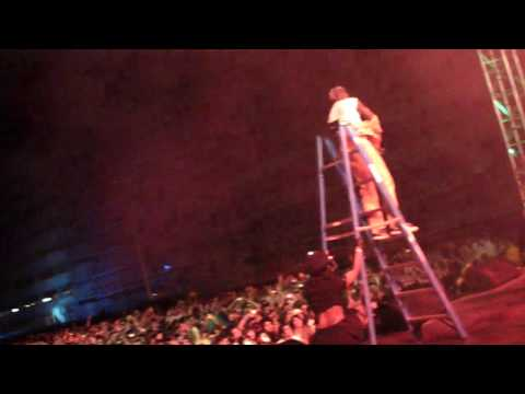 MAJOR LAZER - PON DE FLOOR (EPIC LIVE DAGGERING) - LIVE @ HARD HAUNTED MANSION 10.31.09