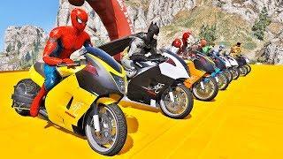 Desafio de MOTOS com HOMEM ARANHA e SUPER HERÓIS nas Rampas sobre a Ponte - IR GAMES