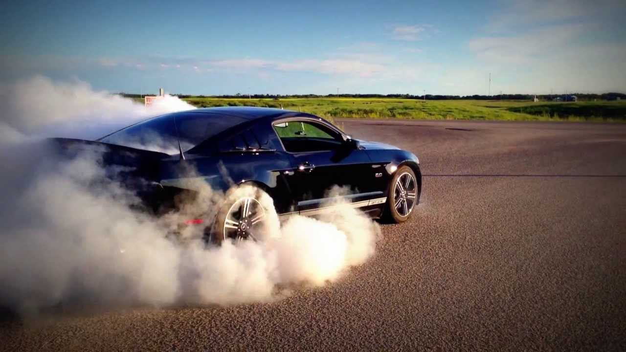 Ford Mustang Gt Cs 2014 Burnout With Mods Youtube