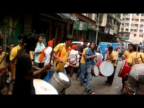 Shri Shitaladevi Banjo & Nasik Dhol 2)