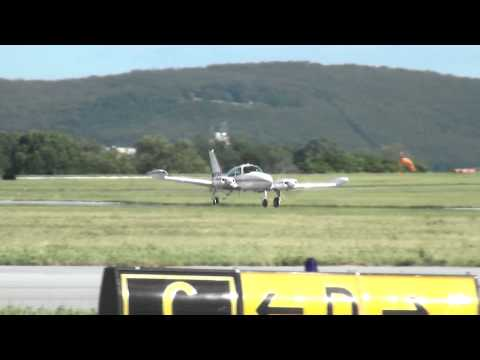 Cessna 310 - Decolagem