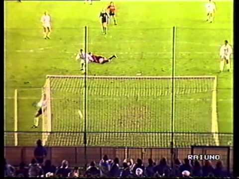 Marco Van Basten  REAL MADRID VS MILAN 1989  Amazing goal