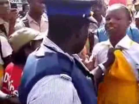 Jamaican Police Officer Abuses Little School Girl