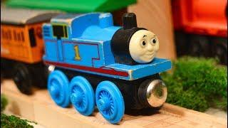 Thomas Wooden Railway Toy Train Classics!