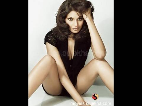 Bipasha Basu wishes All The Best