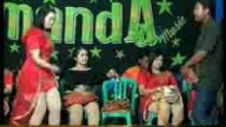 download lagu Edan Turun.. Amanda Music gratis