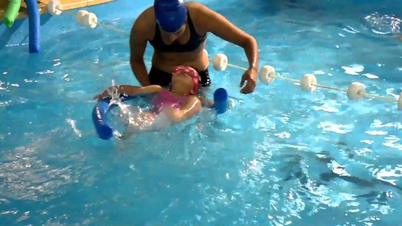 Escuela de nacion aquamarina natacion para ni os y adultos for Clases de piscina para bebes