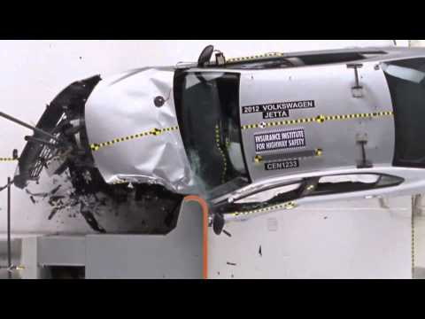 2013 Crash Test Volkswagen Jetta Sedan IIHS Small Overlap Test