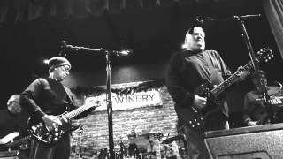 Watch Los Lobos High Places video