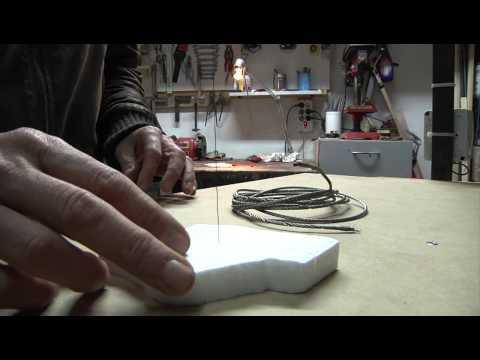 Taglio del polistirolo con filo a caldo