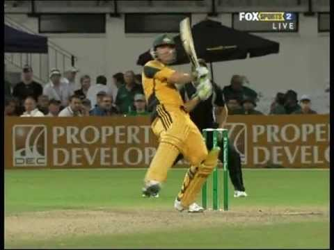 SHANE BOND takes on RICKY PONTING - what a battle!!!!