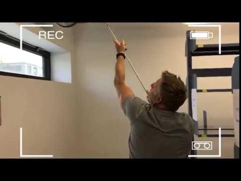Einfache Prüfmethode, ob der Gipsputz an der Betondecke hängt