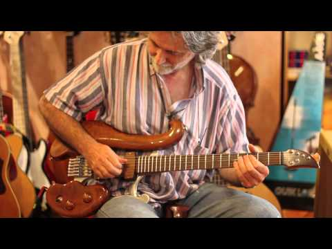 Di Donato Guitars - A Live Test in the ghetto...
