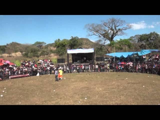Segundo Jaripeo Fiestas de La Reina,Chalatenango 2012