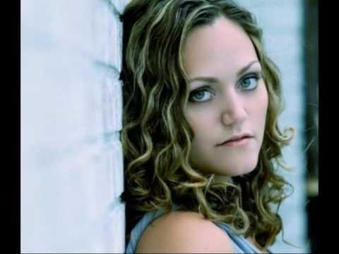 Allie Moss - Corner