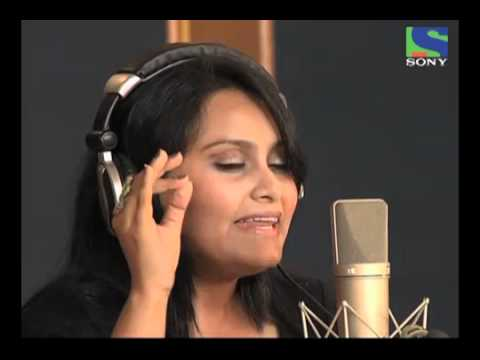 X Factor India - Manjeeras perfect recording on Raat Akeli Hai...