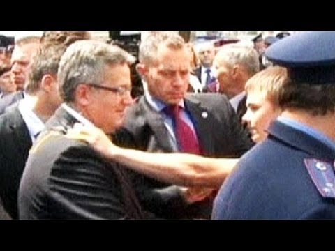 Egg attack on Bronislaw Komorowski - no comment
