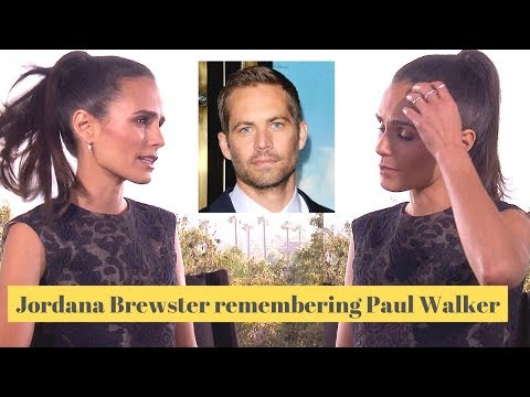 Jordana Brewster breaks down on set (Furious 7)