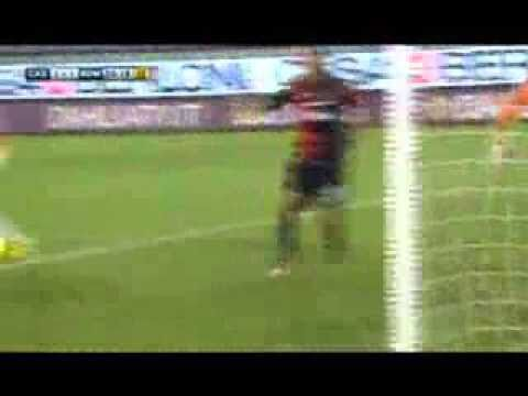 Cagliari vs. AS Roma Video Highlights & Interviews (11th Sep 10).flv