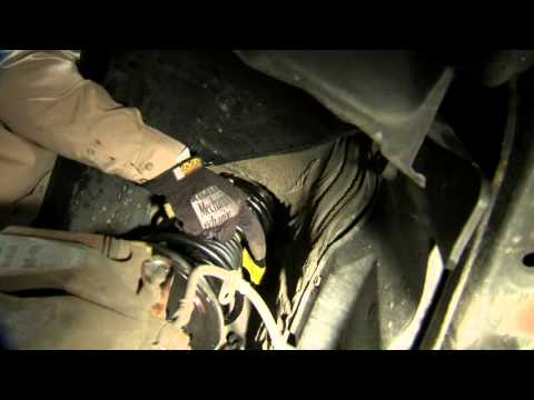 How To Install A Monroe Quick-Strut Assembly 2001 Toyota Camry CE