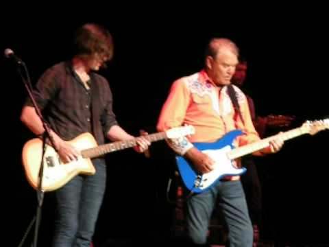 Glen Campbell - Wichita Lineman - Little Rock 2012