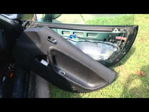 2006 Pontiac Solstice Saturn Sky Door Lock Removal Youtube