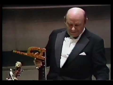 Julian Bream / The Earl of Essex's Galliard by John Dowland