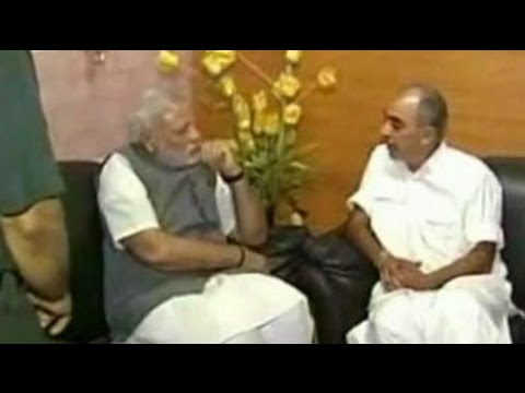PM Modi visits Jaswant Singh in hospital