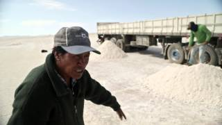 Volvo Trucks - Working in the world's largest salt desert - Driver's World (E01)