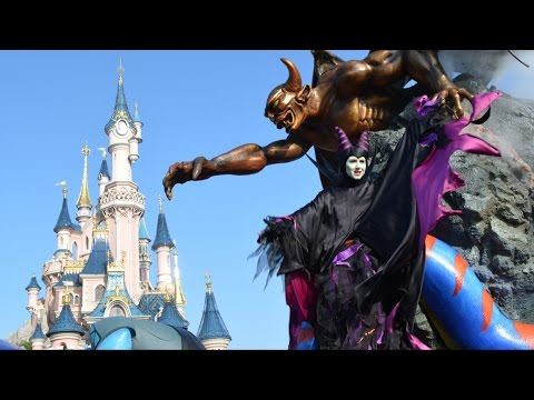 The Maleficent Disney Villains Promenade (One Float) - Disneyland Paris Halloween Celebration 2014