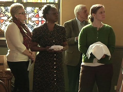 Paying It Forward, Church Gives Out Money