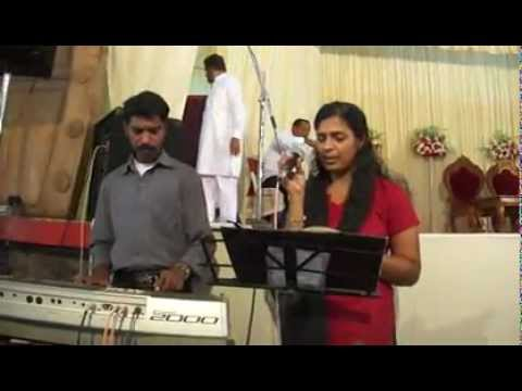 Yesuvilen Thozhane By.liji Yesudas.mp4 video